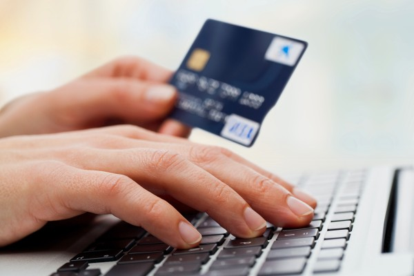 Отличие дебетовых карт от кредитных