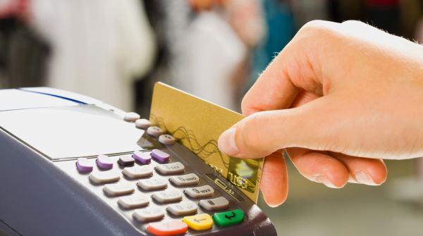 Как заказать дебетовую карту Альфа банка? Условия и особенности