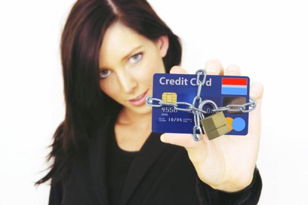 Как заблокировать кредитную карту самостоятельно