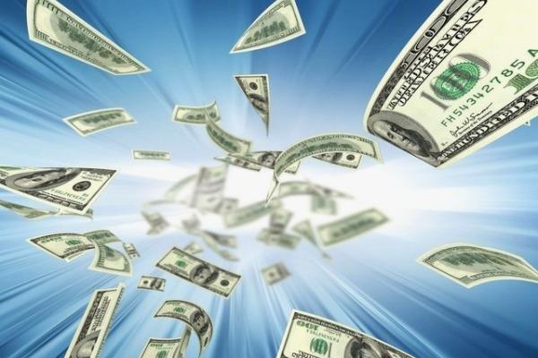 Как лучше перевести деньги на Украину