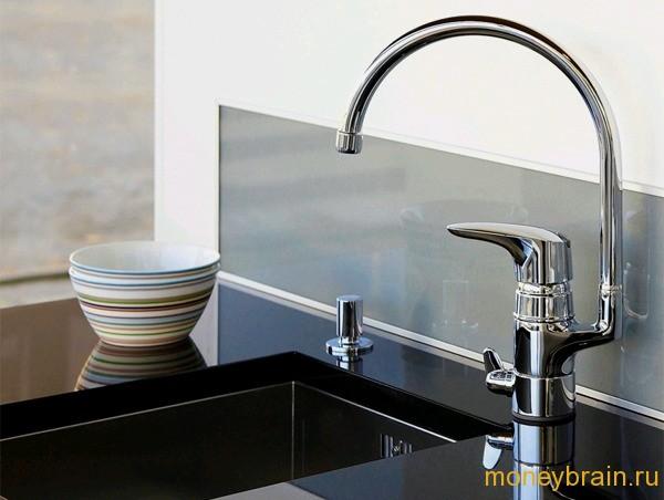 Как экономить воду на кухне