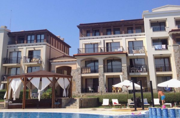 Подписание договора на покупку квартиры в ипотеку в Болгарии