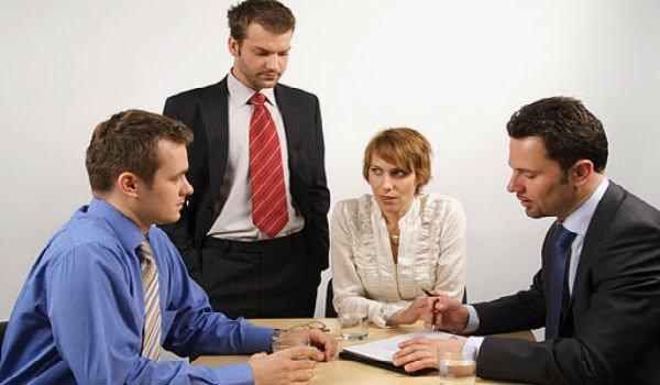 как вести себя с коллекторами при встрече
